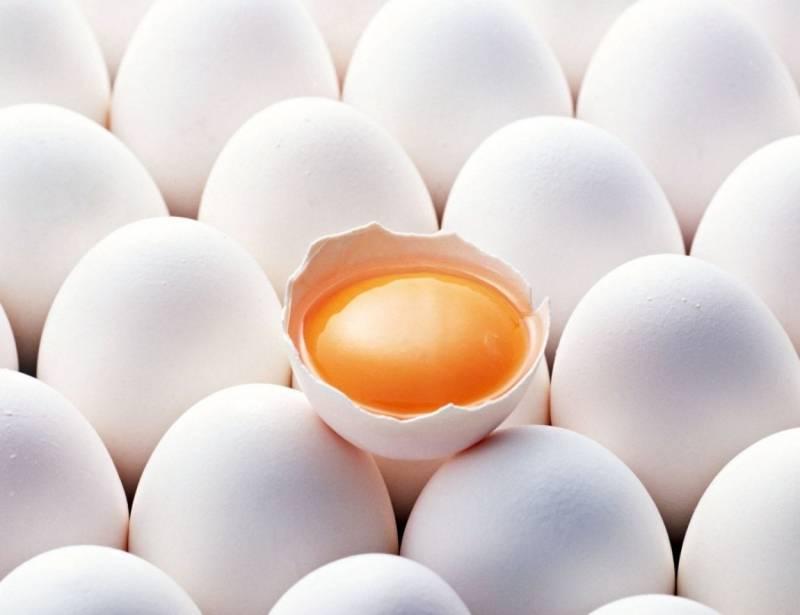 Варенные и свежие яйца