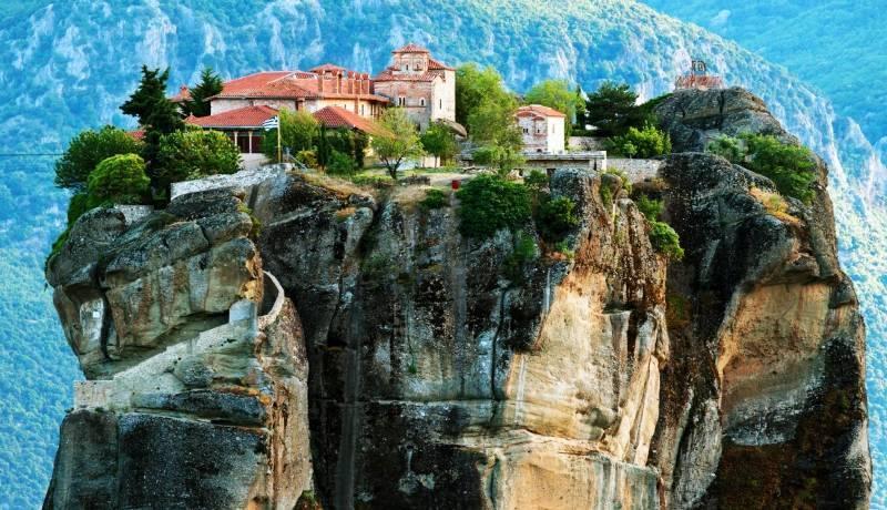 Преображенский монастырь (Метаморфоси Сотирос) возле острова Закинф