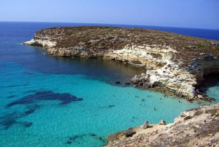 Пляж на острове Лампедуза