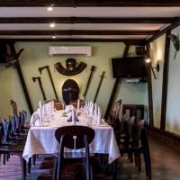 Стол в ресторане «Любужский замок»