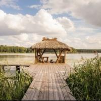 Беседки на берегу озера Гродно
